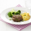 Gebakken aardappelen met hamburgers en broccoli