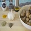 Gebakken aardappelen met knoflook