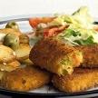 Gebakken aardappels met groentesticks